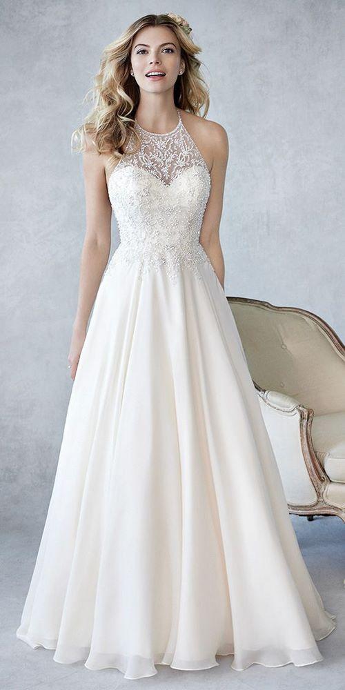 váy cưới dáng suông 2 18 Mẫu váy cưới dáng suông đẹp sang trọng, tinh tế cho các nàng dâu 2020