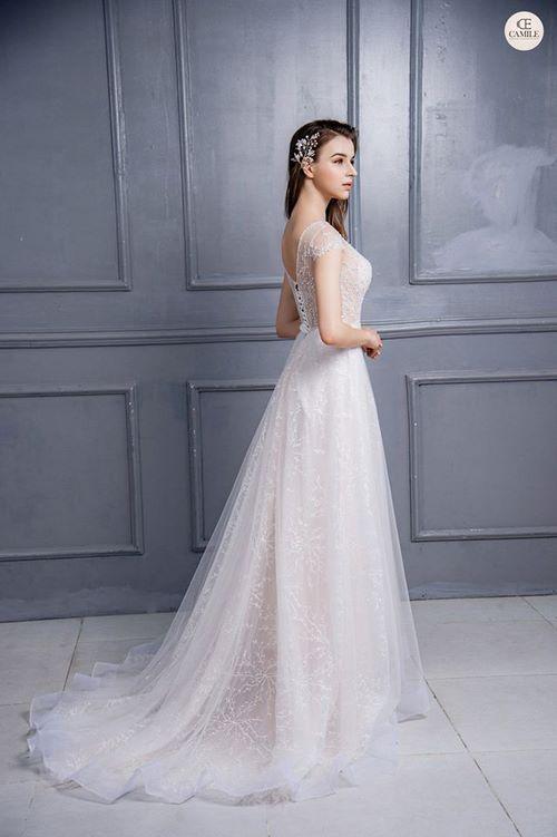 váy cưới dáng suông 5 18 Mẫu váy cưới dáng suông đẹp sang trọng, tinh tế cho các nàng dâu 2020