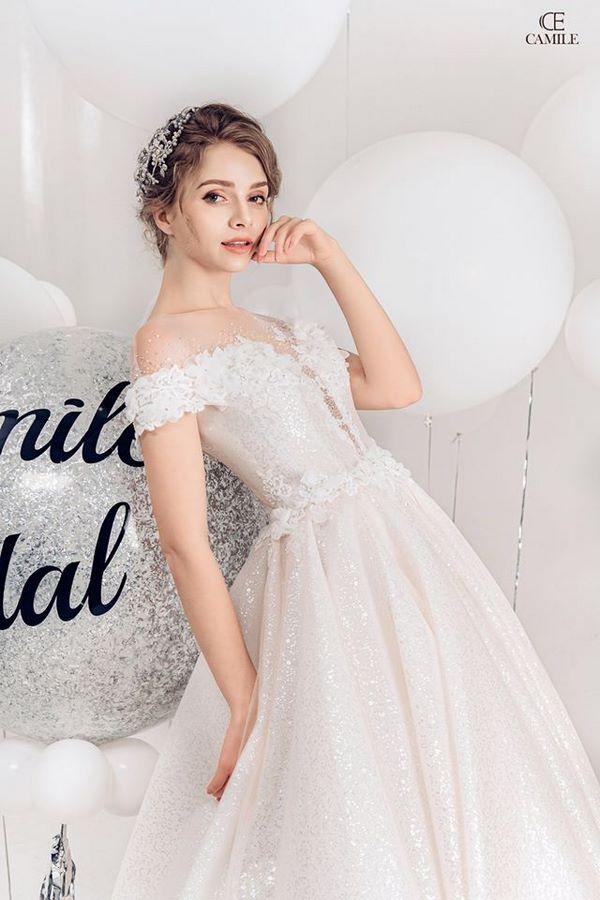 """""""váy cưới cho cô dâu béo bụng """" 4 Dáng váy cưới cho cô dâu béo bụng giúp nàng che mọi khuyết điểm"""