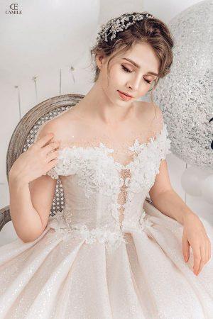 váy cưới phong cách hoàng gia Top 10 Địa chỉ cho thuê váy cưới tại Hà Nội cao cấp và sang trọng nhất năm 2019
