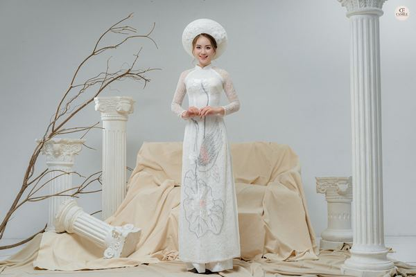 áo dài thêu tay đẹp 1 Gợi ý những mẫu áo dài thêu tay đẹp cho cô dâu trong mùa cưới 2020