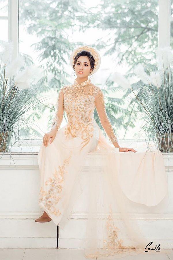 áo dài thêu tay đẹp 11 Gợi ý những mẫu áo dài thêu tay đẹp cho cô dâu trong mùa cưới 2020