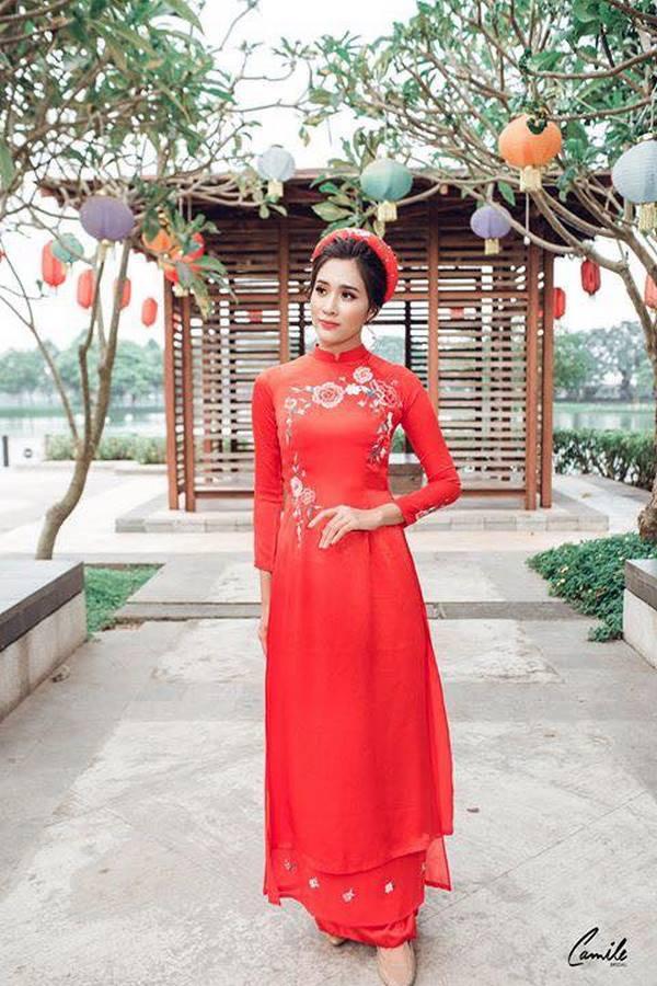 áo dài thêu tay đẹp 4 Bảng giá may đo thuê váy cưới Hà Nội cao cấp của Camile Bridal