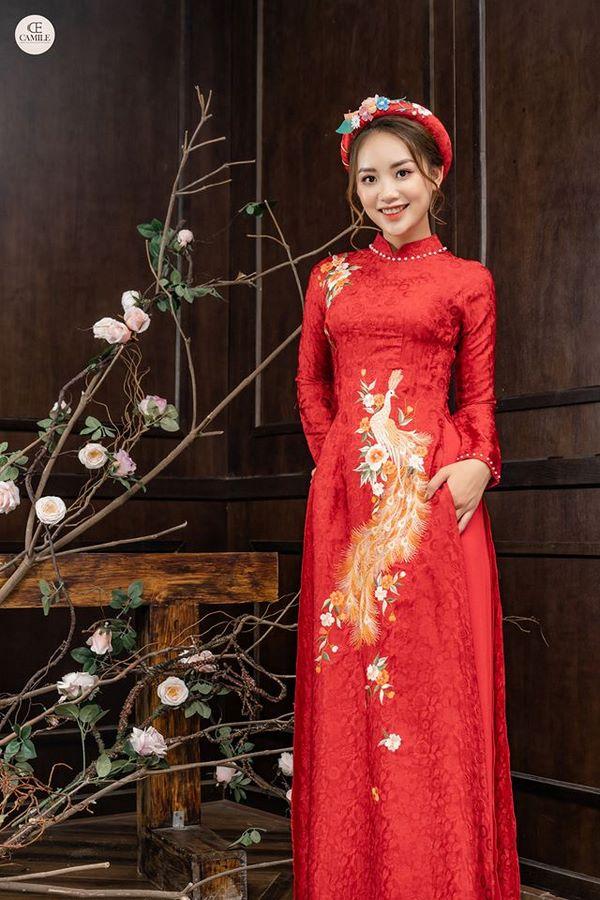 áo dài thêu tay đẹp 5 Gợi ý những mẫu áo dài thêu tay đẹp cho cô dâu trong mùa cưới 2020