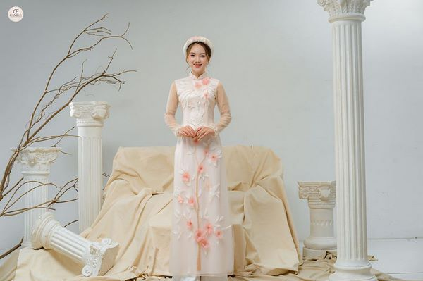 áo dài thêu tay đẹp 6 Gợi ý những mẫu áo dài thêu tay đẹp cho cô dâu trong mùa cưới 2020